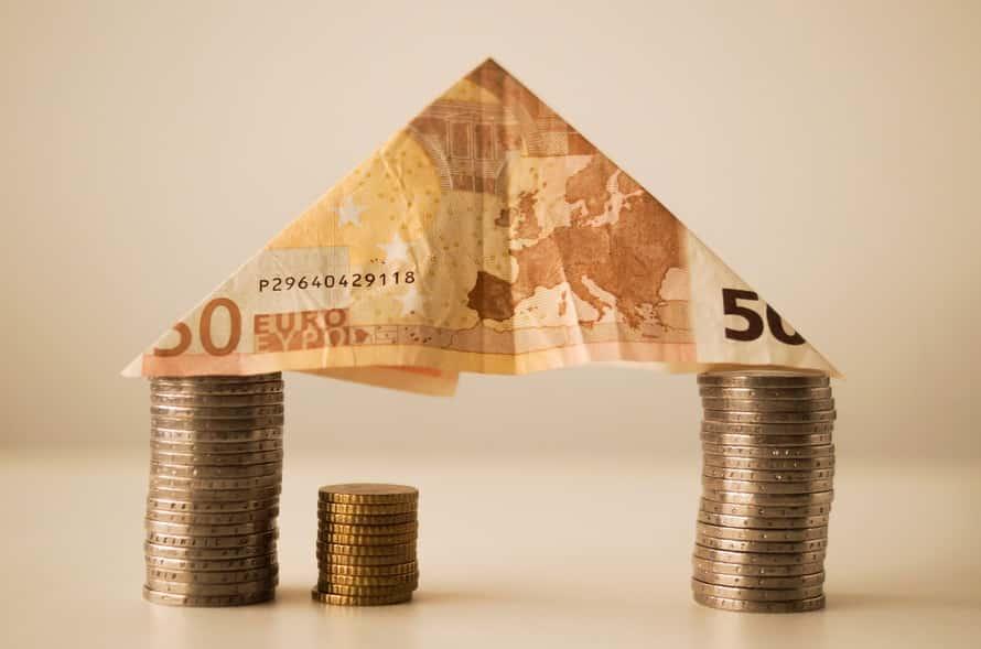 house-money-capitalism-fortune-12619-large.jpg